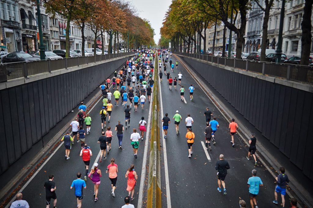 people running a 10k marathon race