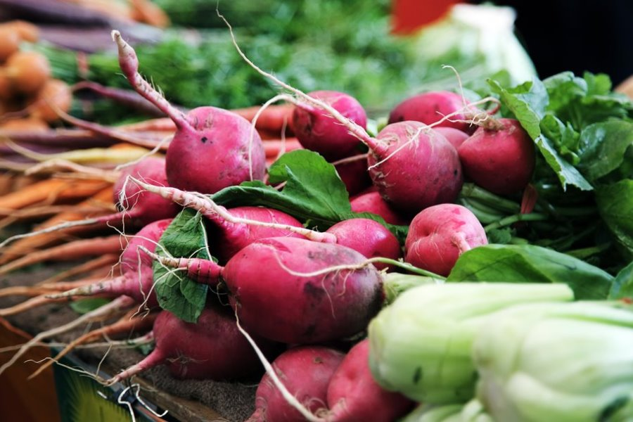 A picture of beets at the farmers' market