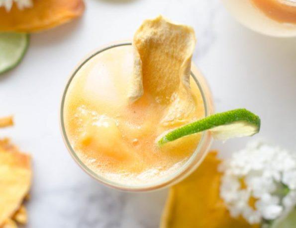 sparkling mango slushy drink