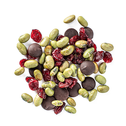 morning bestie: edamame, dried cranberries and 70% dark chocolate buttons